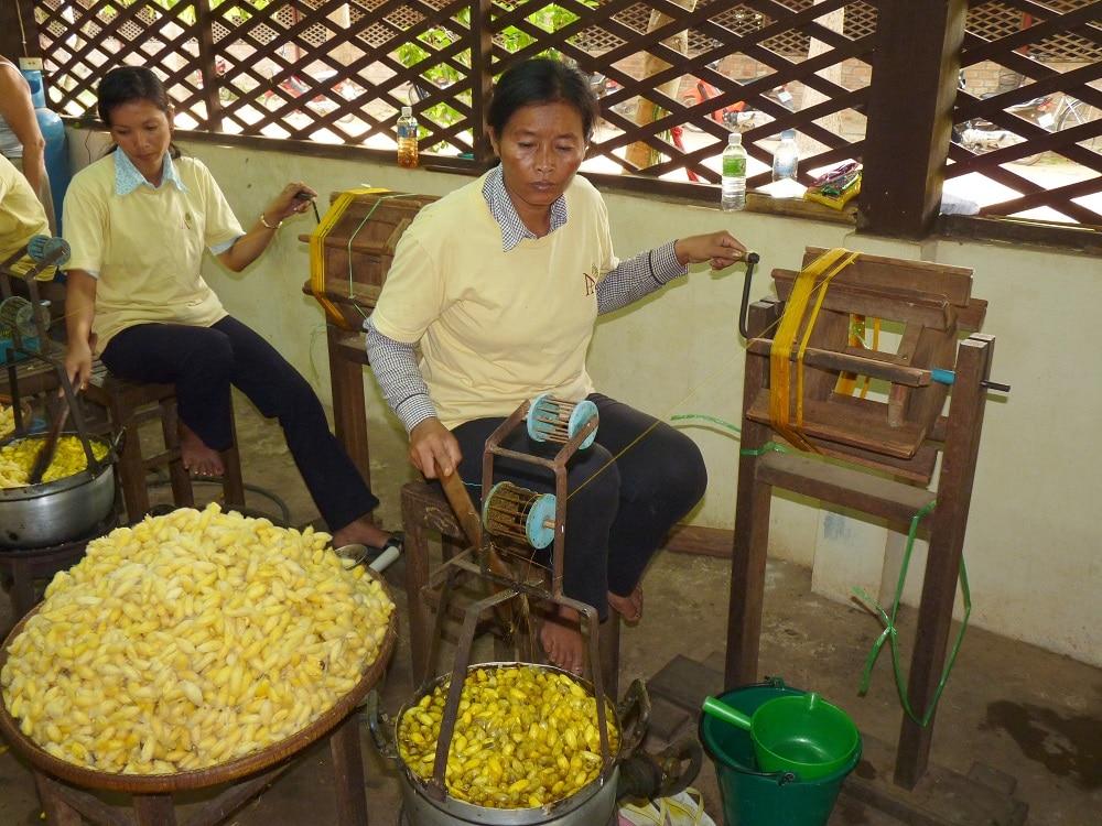 ebullition et tissage de la soie