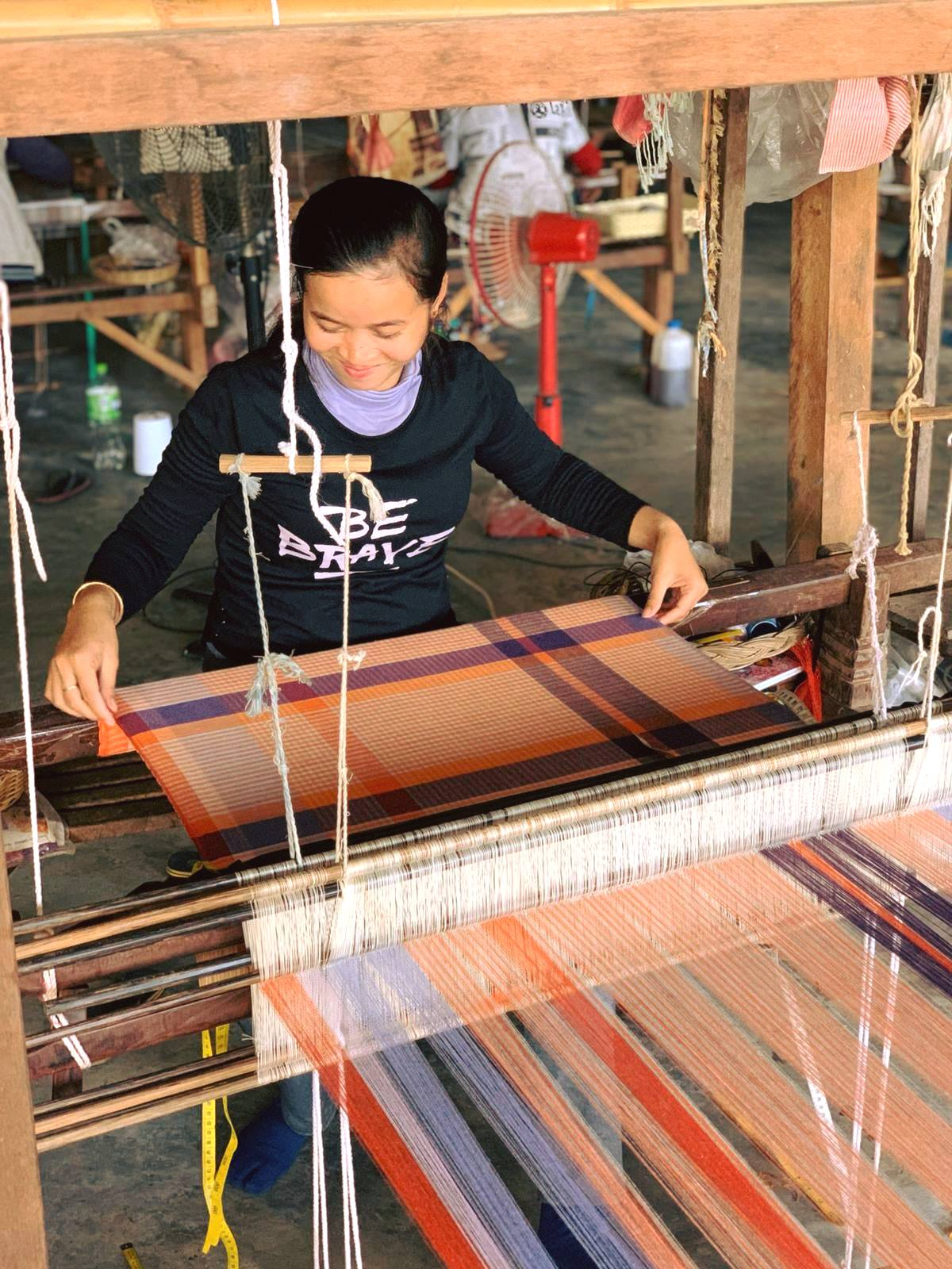 kambodschanisches weben schals