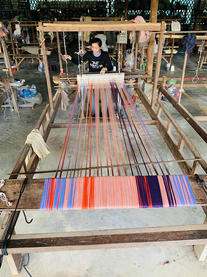weaver weaving center krama