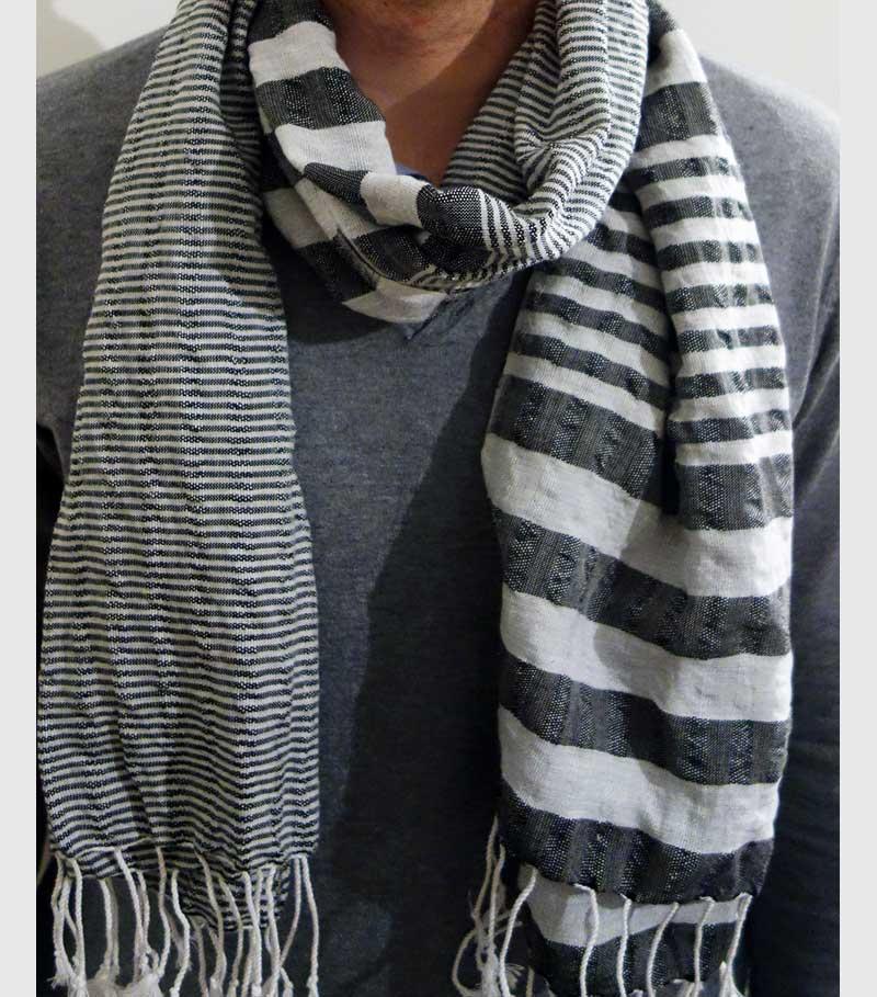 krama or noir vêtement