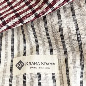 zoom krama rouge traditionnel